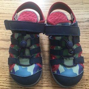 58a84331870 Kids Action Closed Toe Sandal - Size 1 - Camo